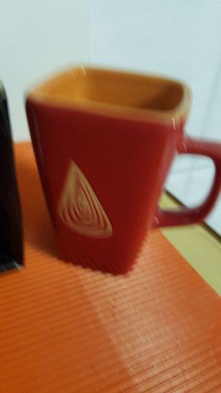 Lote de 2 tazas de café/ Te con azucarera.