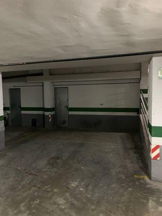 Garaje con trastero en alquiler