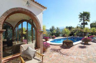 Villa en venta en Comares