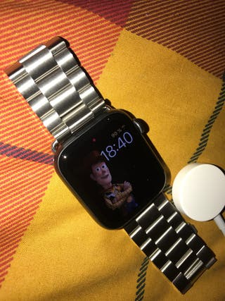 APPLE WATCH SERIES 4 - 44MM GPS