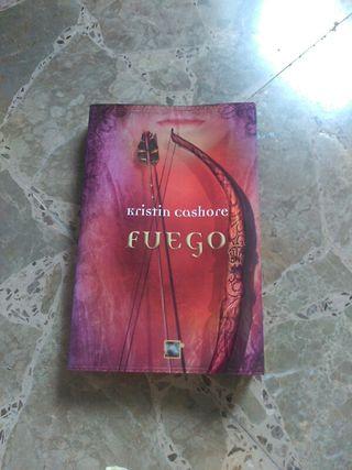 Fuego kristin cashore libro los siete reinos