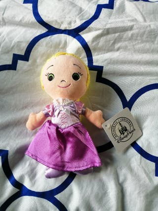 Peluche Disney muñeca princesa Rapunzel Disneyland