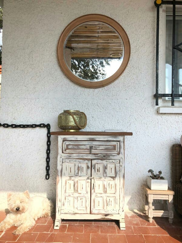 Mueble castellano restaurado y espejo madera