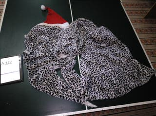 Disfraz piel de leopardo y gorro papa Noel