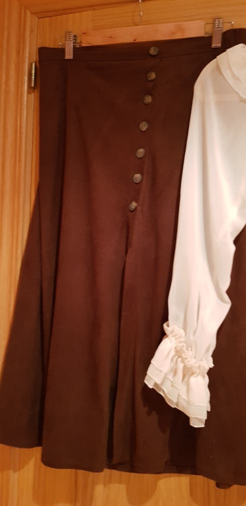 lote falda marrón y blusa beige