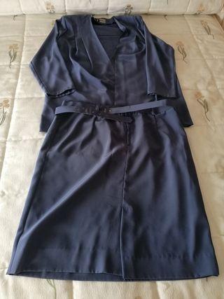 conjunto camisa falda traje señora