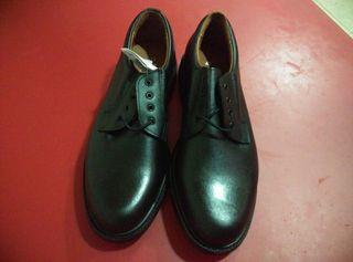 zapatos formales nuevos