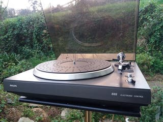 Tocadiscos Philips 685 con cápsula Philips 400