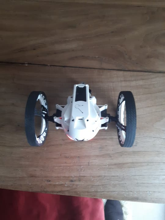 MiniDrone Jumping Sumo Blanco Parrot