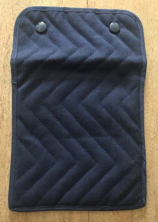 Trousse ou pochette marine matelassee
