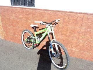 Scott voltage bicicleta de descenso
