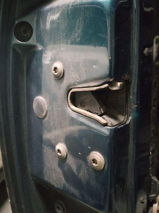 Cerradura y sensor de puertas golf III mk3