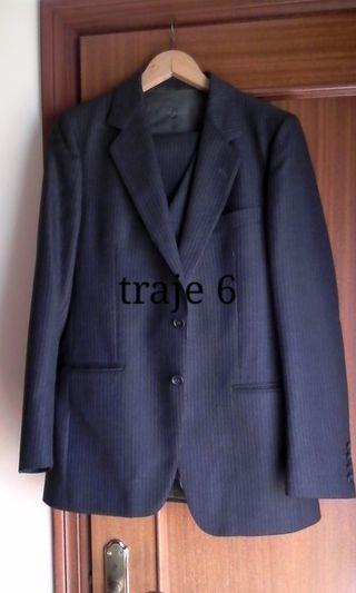 2 trajes y 4 chaquetas