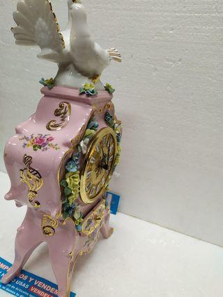 Precioso Reloj Antiguo De Mesa