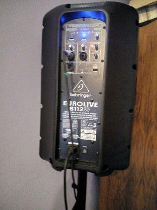 equipo de música y micrófono shure beta87