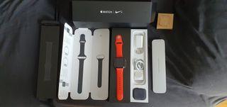 Apple watch 4 Nike 44mm gris