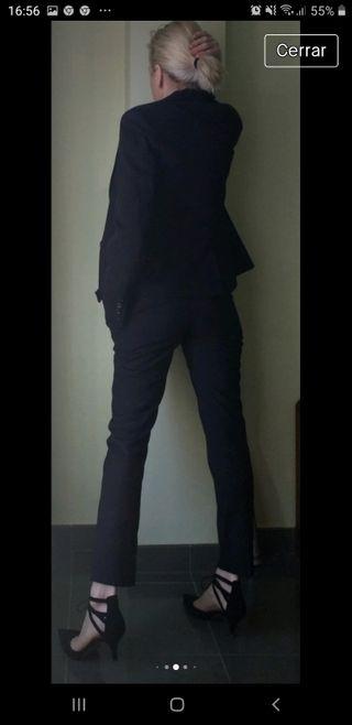 elegante pantalón tobillero