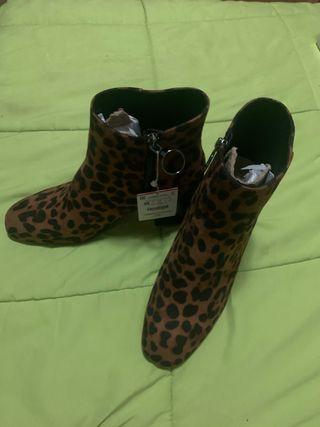 Botines de leopardo de Stradivarius