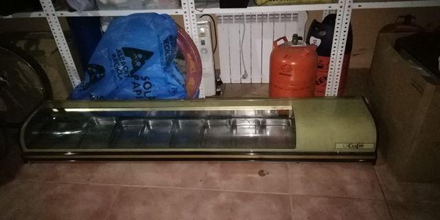 vitrina hostelería y 8 bandejas