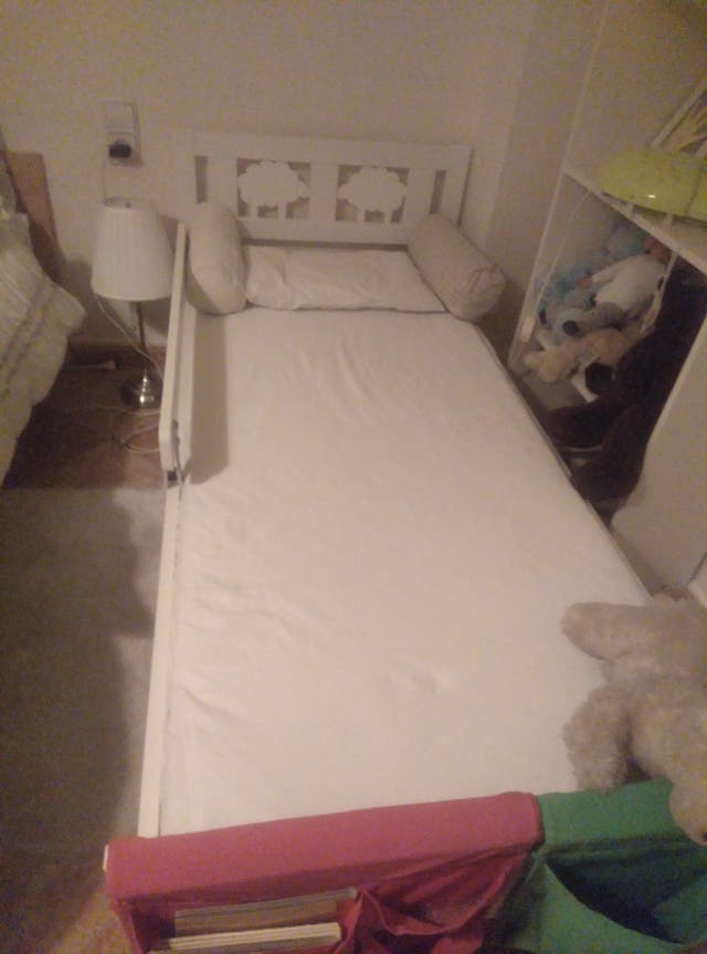 Cama + colchón niño IKEA