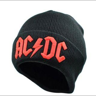 Gorro Oficial de AC DC Negro y Rojo