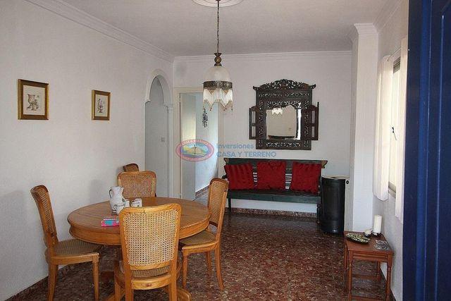 Casa pareada en venta en Moclinejo (Moclinejo, Málaga)