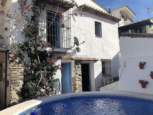 Casa en venta en Moclinejo (Moclinejo, Málaga)
