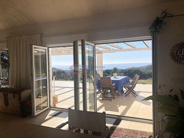 Villa en venta en Moclinejo (Moclinejo, Málaga)