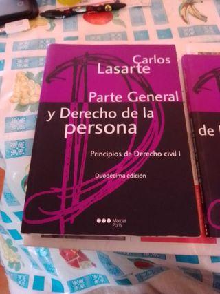 2 libros Derecho .