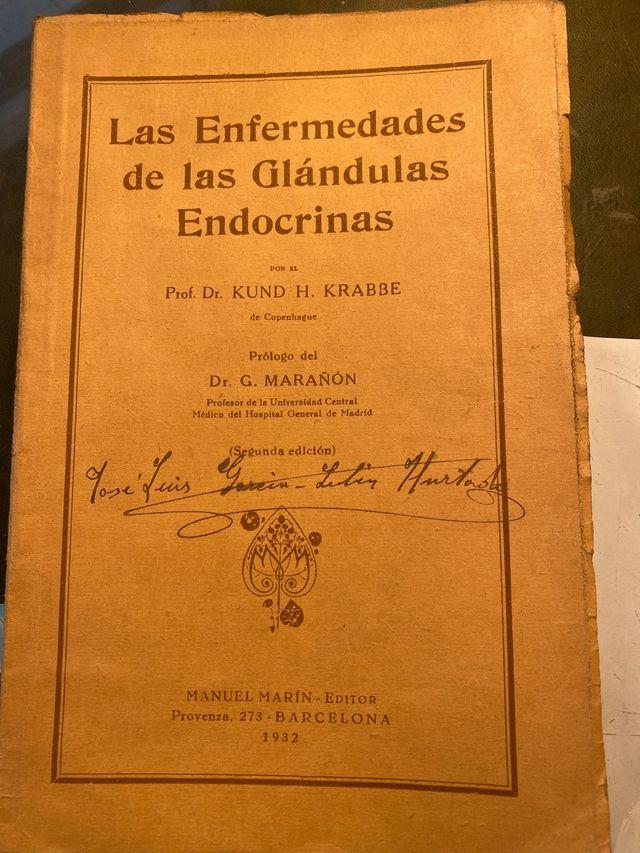 Libro antiguo de medicina