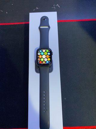 Apple Watch S5 GPS
