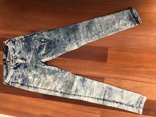 Pantalones de pitillo de segunda mano en Soto de La Moraleja