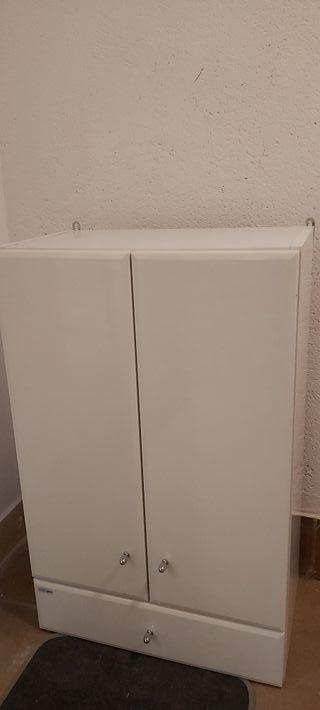 Mueble para baño. cajonero estanteria.
