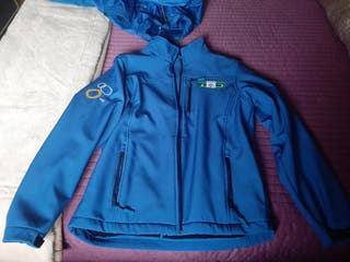 ropa de oficial de triatlón