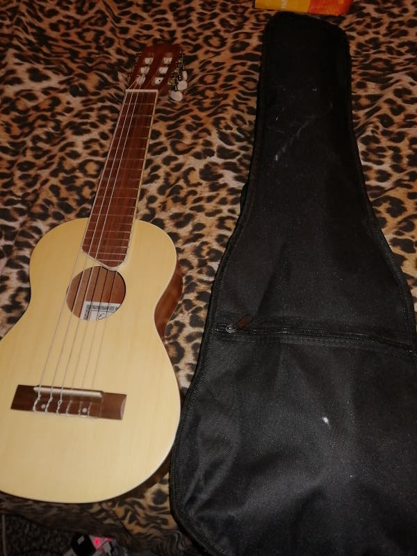 guitalele ukulele six string,