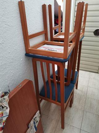 se vende mesa de comedor con 4 sillas
