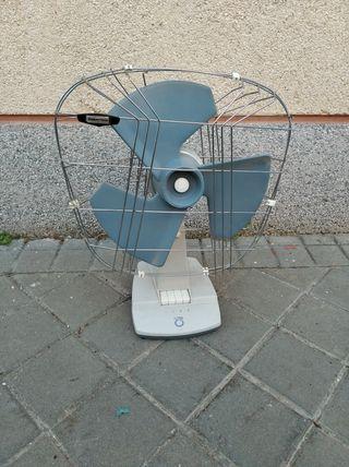 Ventilador vintage TAURUS años 60/70