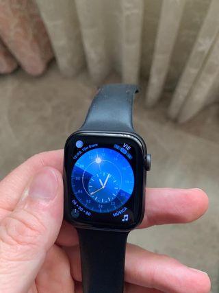 Apple Watch 4 44 mm nike