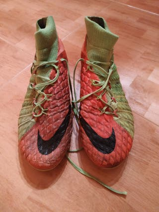 Botas Nike futbol.
