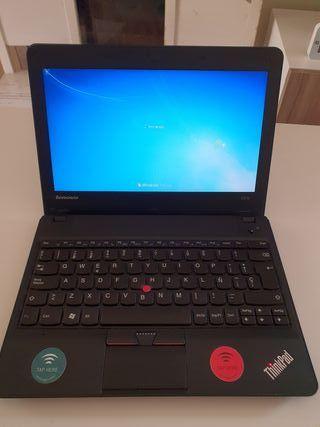 Portátil Lenovo X121e Thinkpad en perfecto estado
