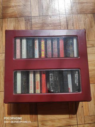 Caja de casetts antiguos.