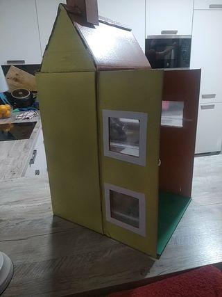 regalo casa de muñecas de cartón