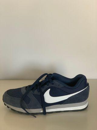 Zapatillas Nike azules sin uso