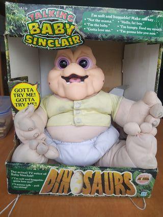 Muñeco bebé Sinclair en su caja