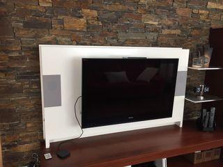 Mueble de televisor altavoces y luces led