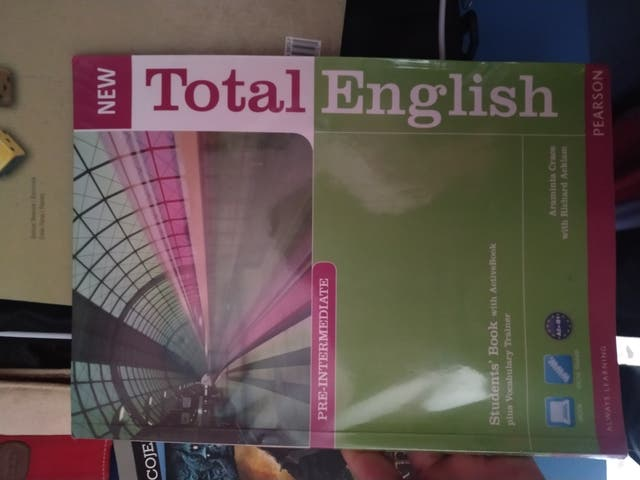 Student's Book Pre Intermediate New Total English