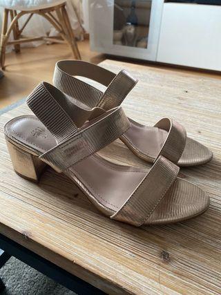 Zapatos dorados talla 37