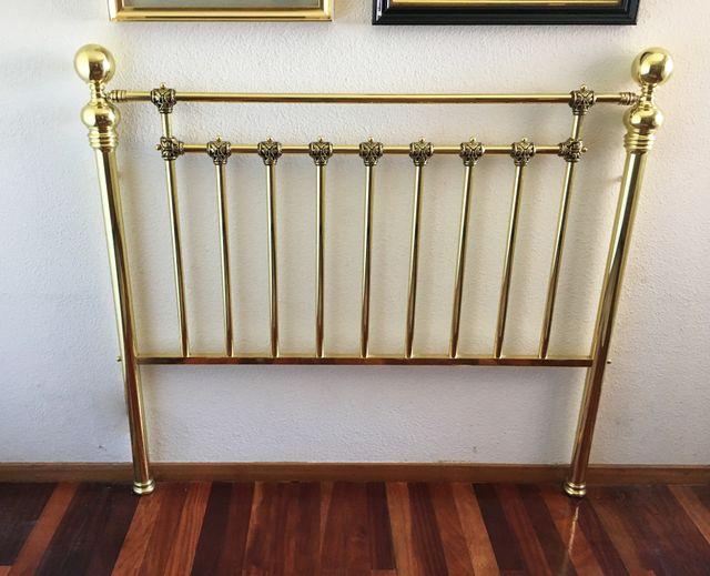 Cabecero para cama de 135cm