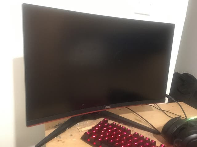 Pc gaming with screen