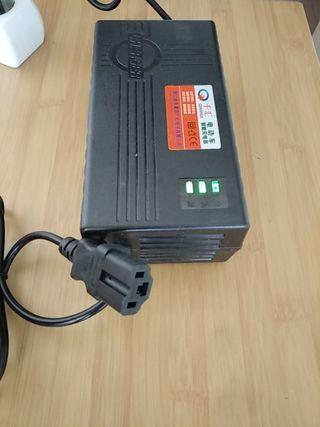 Cargador batería 60V ácido gel plomo